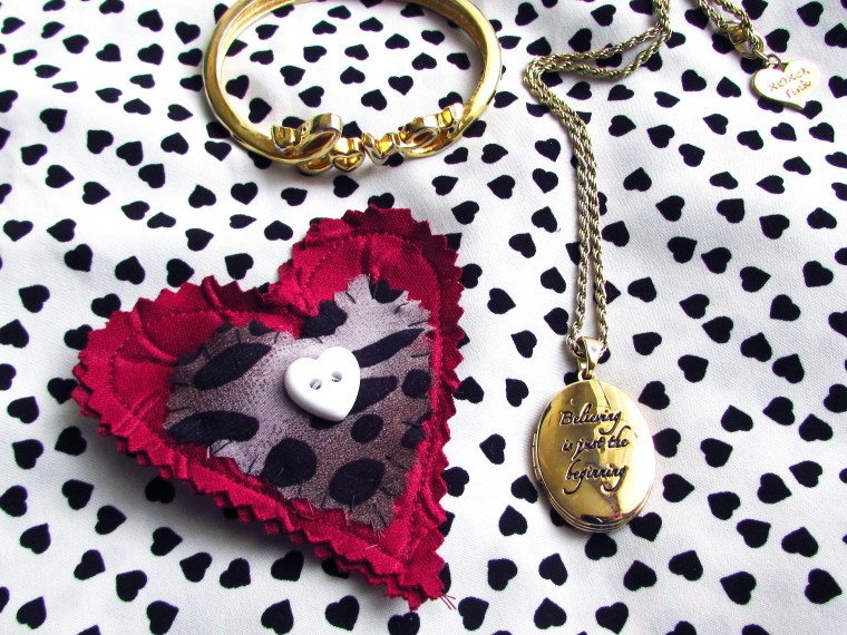 DIY Fabric Heart Brooch