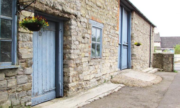 Pretty Farmhouse